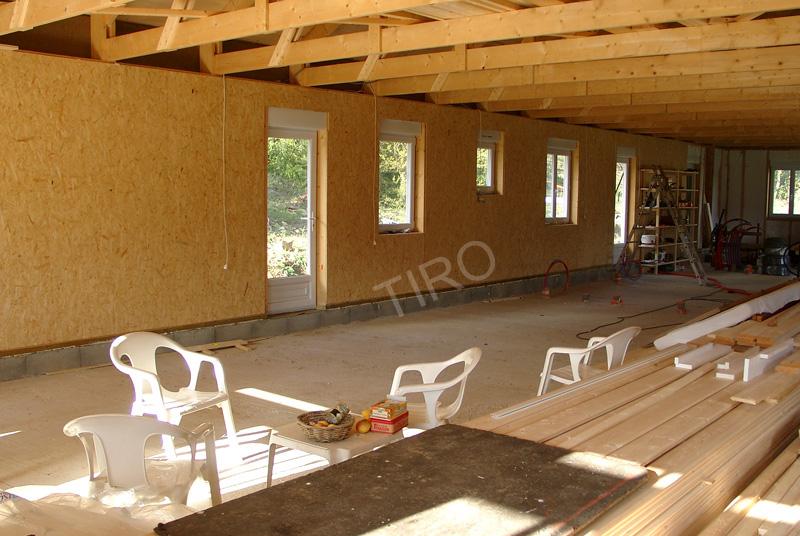 contreventements en osb d une maison ossature bois maisons ossature bois en kit tiro. Black Bedroom Furniture Sets. Home Design Ideas