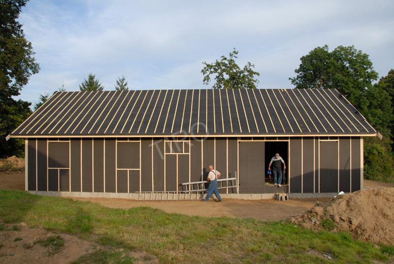 panneaux de pare vent pare pluie d une maison ossature bois maisons ossature bois en kit tiro. Black Bedroom Furniture Sets. Home Design Ideas