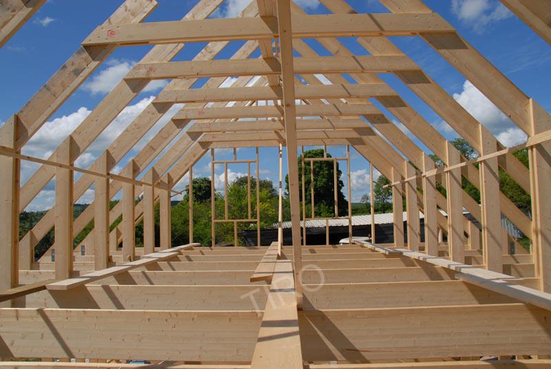 9 charpente maison avec combles maisons ossature bois en kit tiro. Black Bedroom Furniture Sets. Home Design Ideas